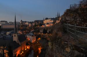 丘の上の首都『ルクセンブルク』の夜明けを歩く