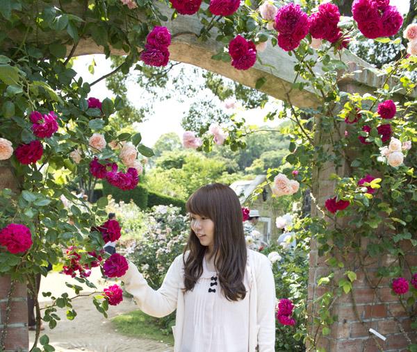 rose_garden_date