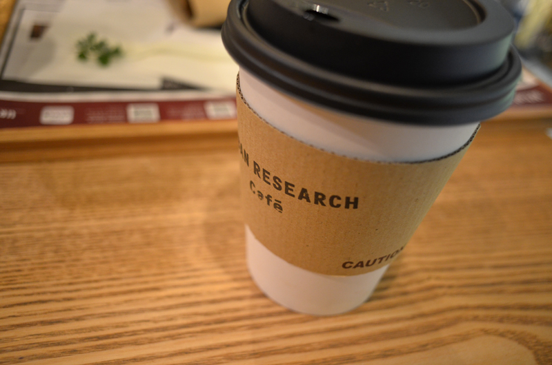 コーヒーは有機豆のようです。酸味は控えめで、上品な香ばしさがあるため、スイーツとの相性もgoodです。