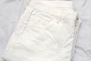 white_pants_09