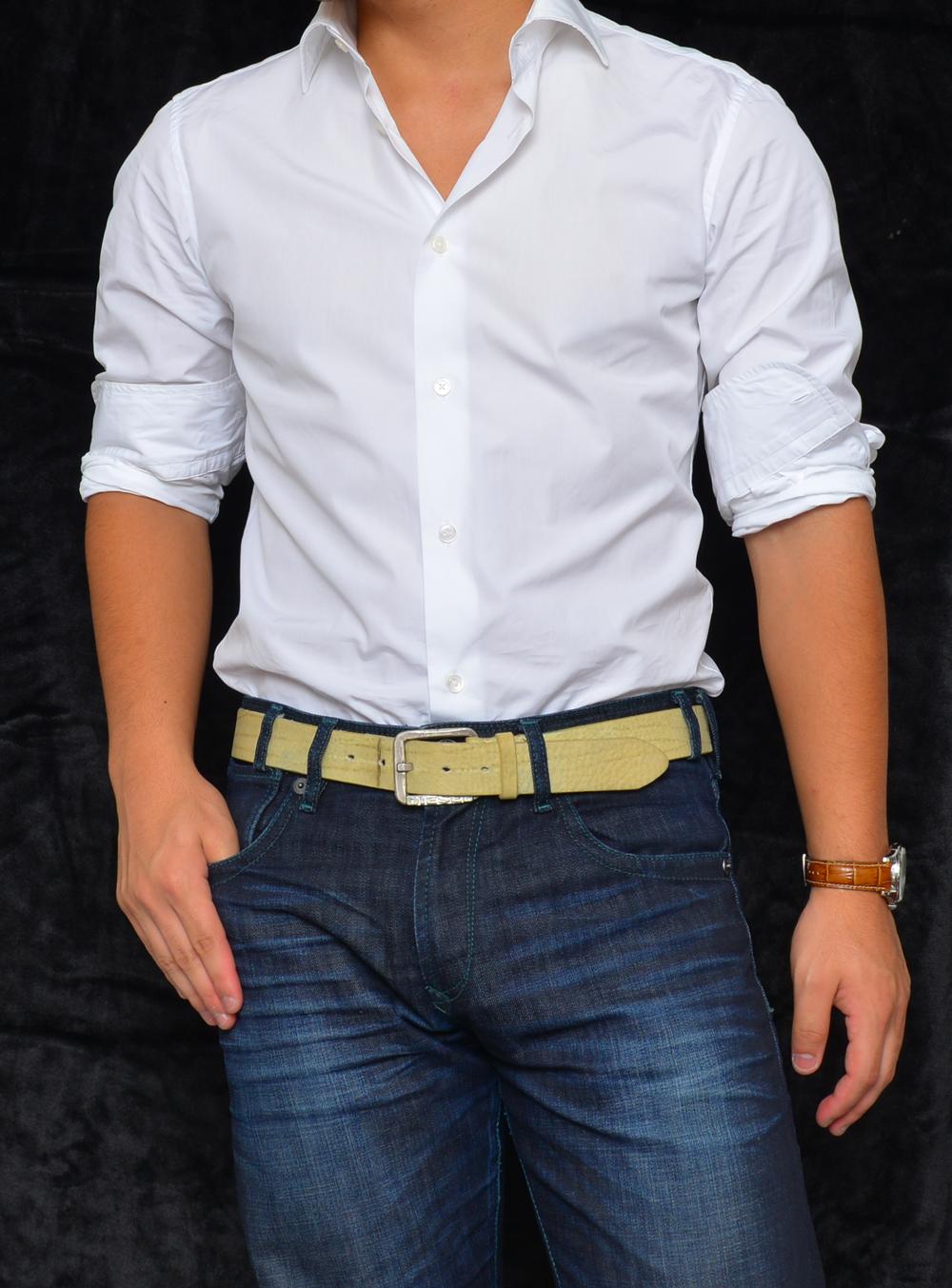 ワイシャツはカジュアルに着れるのか
