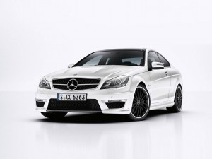 Mercedes-Benz-C63_AMG_Coupe-2012-1600-5e