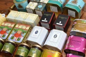 紅茶を安く買えるアウトレット・モールは?