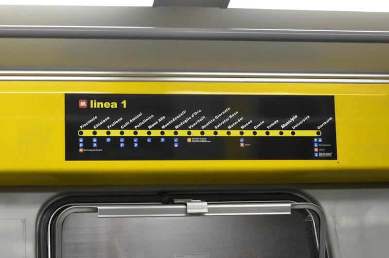 metro napoli01