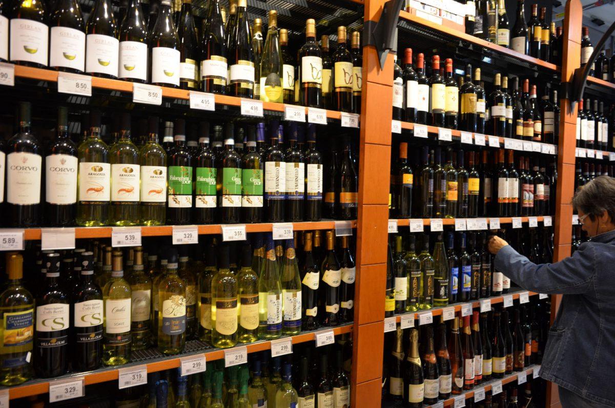 イタリアで飲むワインは安くて美味しい?
