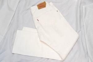 white_pants_01