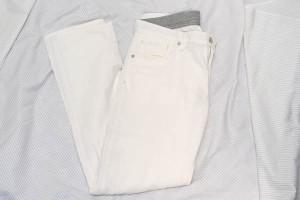 white_pants_05
