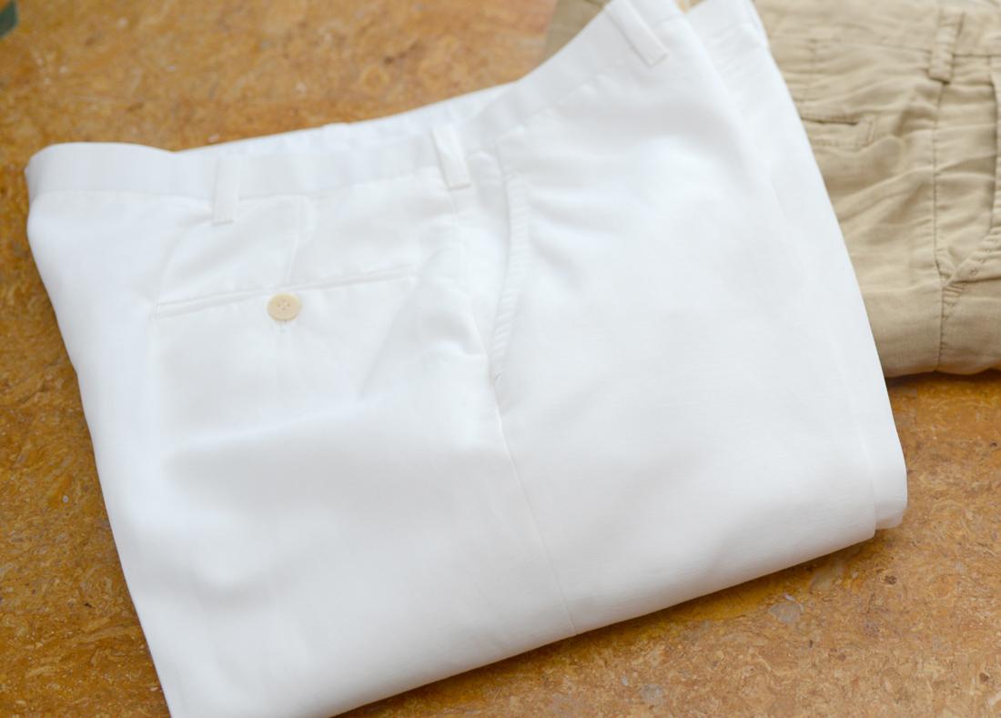 white pants01
